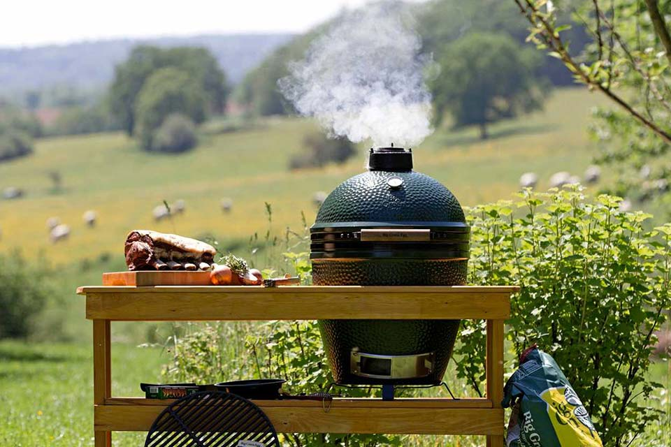 De big Green Egg is fantastisch om op te grillen, stomen en koken.